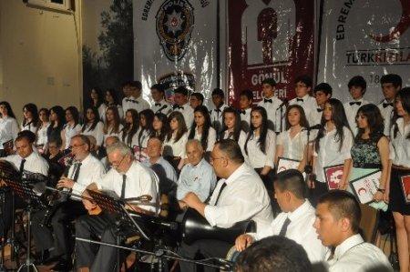 Edremit'te 'Umut Ateşi' konseri düzenlendi