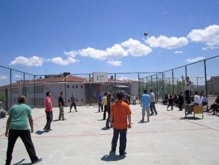 Eflani Milli Eğitim bahar voleybol turnuvası başladı