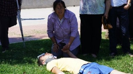 Ehliyetsiz sürücünün kullandığı otomobil takla attı: 3 yaralı