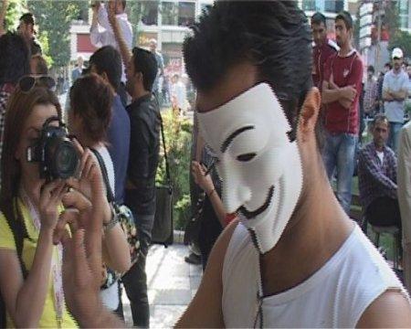 Elazığ'da Taksim gerginliği: 8 gözaltı