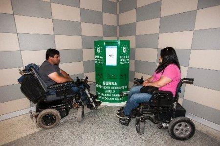 Engelliler, akülü tekerlekli sandalyelerini metro istasyonunda şarj edebilecek