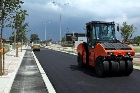 Erbakan Bulvarı'nda asfaltlama çalışması başladı