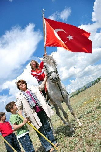 Erzurum'da kadın atlı cirit takımı kuruldu