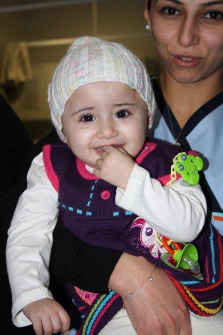 Esed'in bombaları minik Roha'yı yetim bıraktı