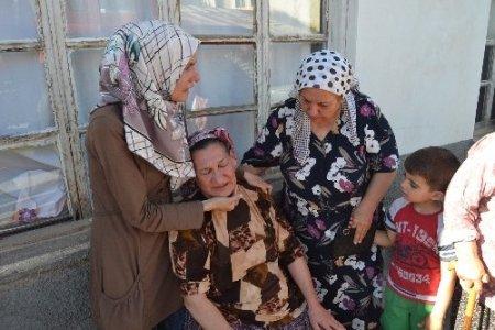 Evi yanan aileye Kaymakam yardım elini uzattı
