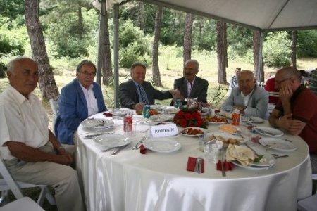 Fikret Orman ve yönetim kurulu, derneklerle barbekü partisinde buluştu