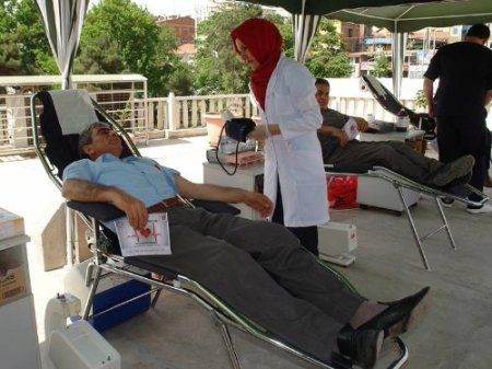 Fırat Üniversite'sinden kan bağışı kampanyasına destek