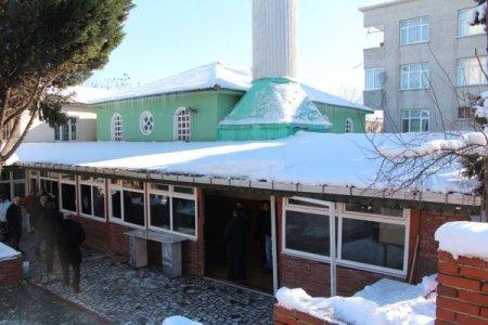 Firuzköy Camii'nin yıkımı ertelendi