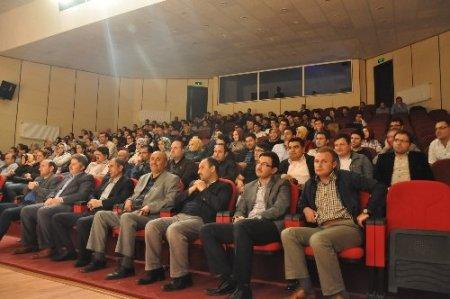 FKM Tiyatrosu, Patnos'ta 'Vesile' adlı oyunu sahneledi