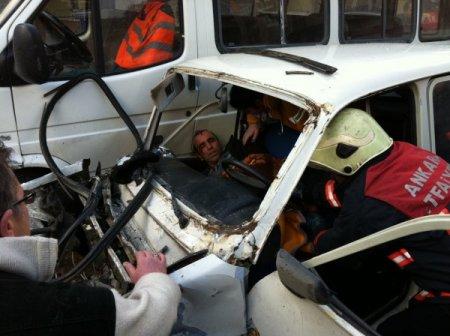 Freni patlayan otomobil zincirleme kazaya neden oldu: 1'i ağır, 5 yaralı