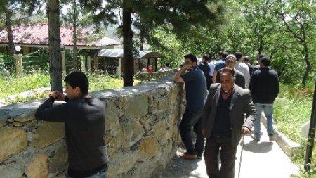 Gavs-i Hizan'i Hazretleri'nin türbesi ziyaretçi akınına uğruyor