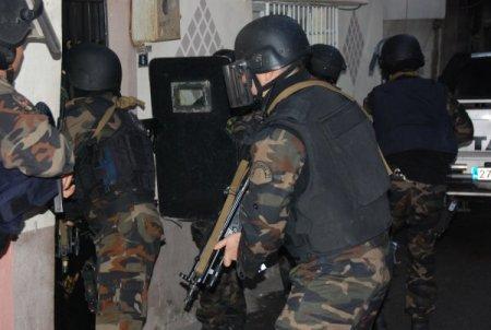 Gaziantep'de uyuşturucu satıcılarına şafak operasyonu düzenlendi