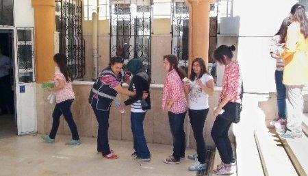 Gevher Hatun Koleji'nden polis ve kimlik kontrollü SBS provası