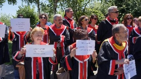 Gezi Parkı olaylarına TBMM önünde 'cübbeli' tepki