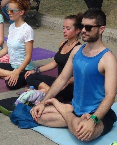 Gezi Parkı'nda yoga yaptılar
