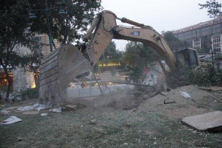 Gezi Parkı'ndaki nöbete biber gazı