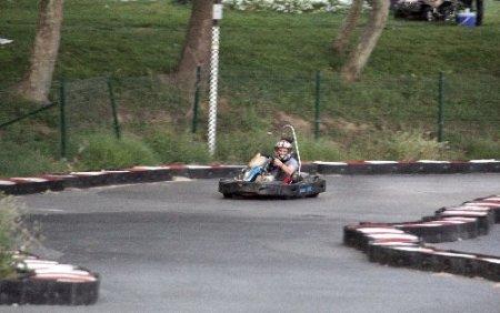 Go-kart pistindeki kaza ucuz atlatıldı