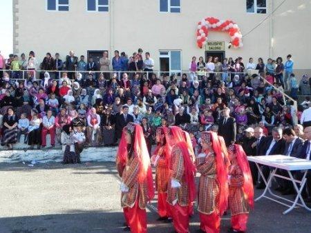 Gökçeler'de belediye düğün salonu törenle hizmete açıldı