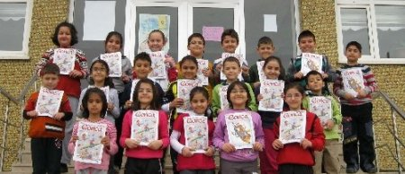 Gonca okuru çocuklar, dergiyi görme engelli kardeşleri için seslendirdi