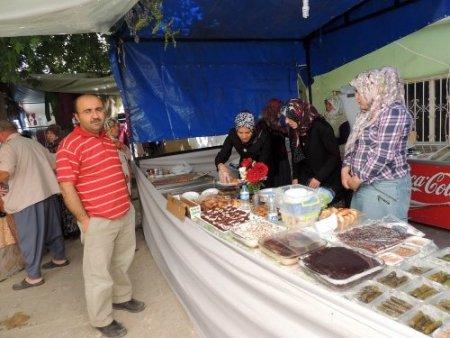 Gülnar'da hayır çarşısı açıldı