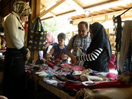 Güneydoğulu kızların el emekleri Sultanahmet'te alıcı bulacak