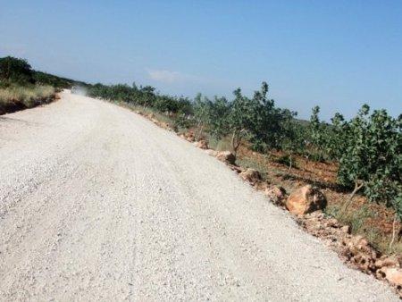 Halfeti'de köy yolları onarılıyor