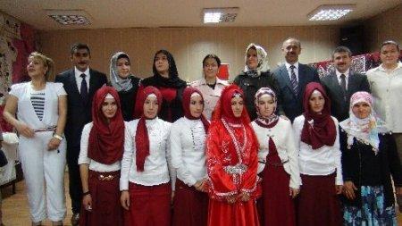Hasköy Halk Eğitim Merkezi'nde yıl sonu sergisi açıldı