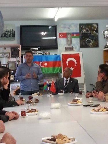 Hollanda'da Azerbaycan'ın Cumhuriyet Bayramı kutlandı