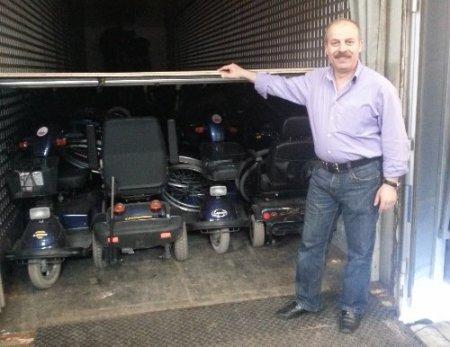 Hollanda'dan Sivas'a bir TIR dolusu akülü araç gönderildi