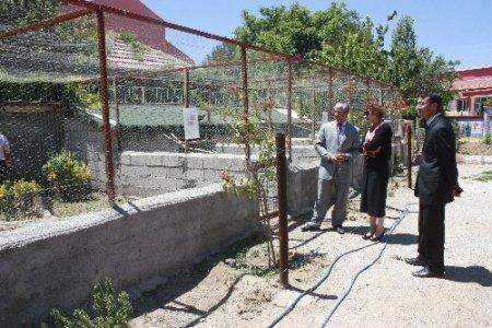 İl Milli Eğitim Müdürü Deneri, Sarıyahşi ilçesindeki okulları ziyaret etti
