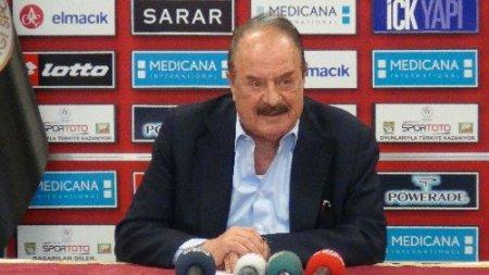 İlhan Cavcav: TFF yabancı futbolcu sayısını değiştirmezse kendi değişir
