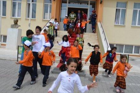 İlköğretim öğrencileri deprem ve yangın tatbikatına katıldı