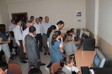 İnegöl Belediyesi Süleyman Ezim'e teknoloji sınıfı kurdu