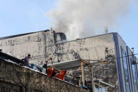 İş merkezinde yangın paniği