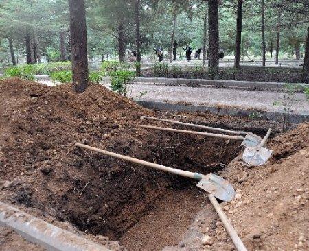 İslamköy'de Nazmiye Demirel'in mezarı hazırlandı