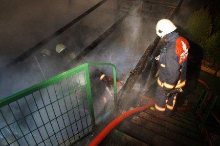 İşyeri yanan kadınlar gözyaşlarına boğuldu