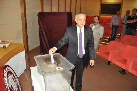 İTSO'da 25 yıldır başkanlık yapan Metin Anıl yeniden seçildi