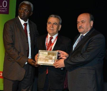 İZBAN'a Cenevre'de 'en iyi işbirliği' ödülü