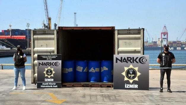 izmir-aliaga-limani-nda-uyusturucu-operasyonu-26-ton-malzeme-ele-gecirildi_1626528460.jpg