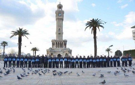 İzmir Büyükşehir Belediyesi zabıtalarını eğitiyor