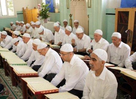 İzmir'de Yeşilyurt Kur'ân Kursu'nun mezuniyet töreni düzenlendi