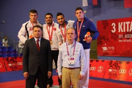 Judoda alınan 5 madalya camiayı sevindirdi