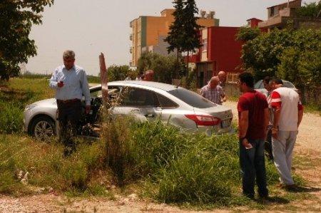 Kaçak sigaralarla polisten kaçarken kaza yaptı