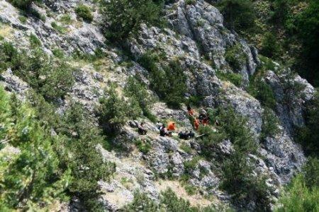 Kaçan oğul arılarını ararken kanyondan düşüp öldü