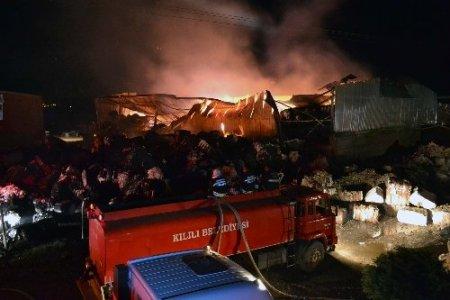 Kahramanmaraş'taki pamuk deposunda yangın