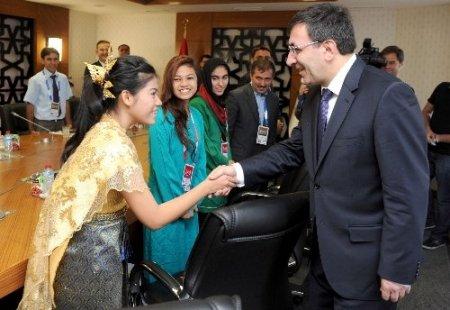 Kalkınma Bakanı Yılmaz, Türkçe misafirlerini ağırladı