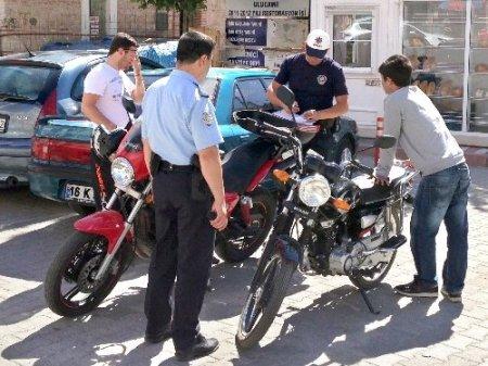 Karacabey'de motosikletlere sıkı denetim