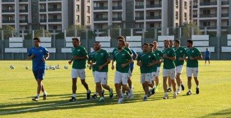 Karaman: Futbolun akil adamları ile neden toplantı yapılıp konu tartışılmıyor