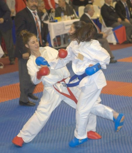 Karatenin kalbi Denizli'de attı