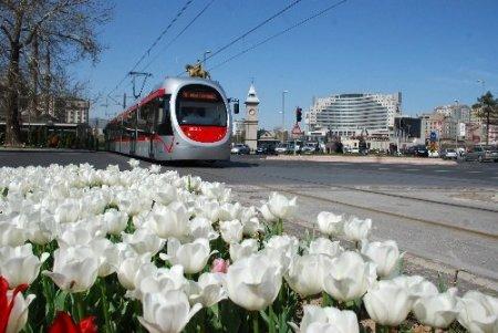 Kayseri'de her gün 350 bin insan toplu taşımadan yararlanıyor